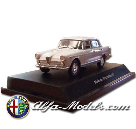 Alfa Romeo 2000 1957 grey