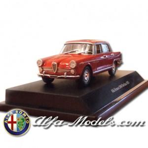 Alfa Romeo 2000 1957 red